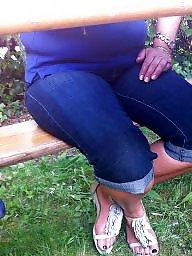 Mature feet, Feet mature, Feet