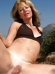 Janet, Blond mature