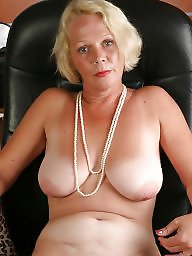 Shaved mature, Amateur mature, Mature amateur, Mature flash