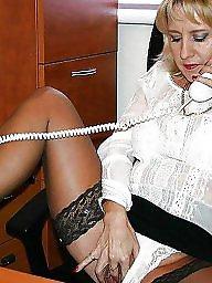 Blond mature, Charlotte, Queen