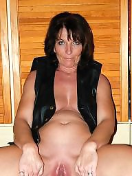 Mature pussy, Spread, Spreading, Shaved, Mature spreading, Legs