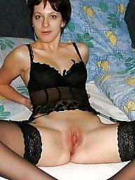 Slut leggings, Slut flashing, Slut flash, Slut beauty, Milfs,legs, Milf legs