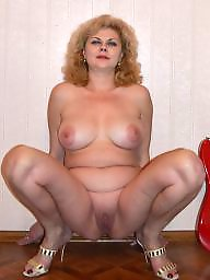 Squat, Squatting, Russian mature, Russian milf