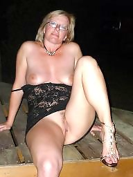 Mature public flashing