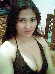 Egyptian, Upskirt