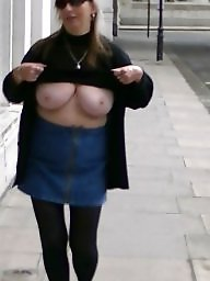 Flashing tits, Public tits