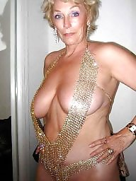 Mature flashing, Flashing tits