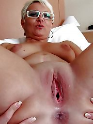Hot moms, Smoking milf, Moms, Smoking, Mature smoking, Hot milf