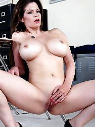 Milf ass, Nipples