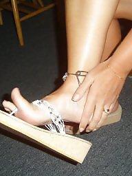 Wife,s feet, Wife s feet, Wife legging, Wife feet, Sexy milf legs, Sexy milf feet
