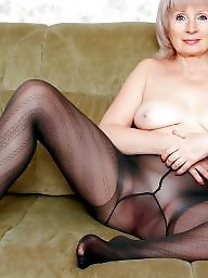 Shaved mature, Shaved, Voyeur, Amateur mature, Mature flashing, Mature flash