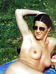 Milf flashing, Nude milf