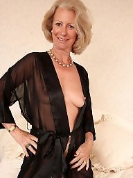 Mature flashing, Breast, Mature flash