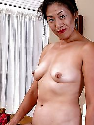 Spreading, Asian milf, Asian mature, Asian mom, Mom, Spread