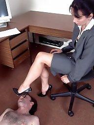 Dans vieille, Au bureau