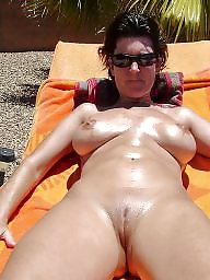 Shapely, Hairy mature, Shaved
