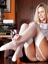 Stocking feet, Nylon mature, Nylon feet, Nylon, Nylons, Mature nylon