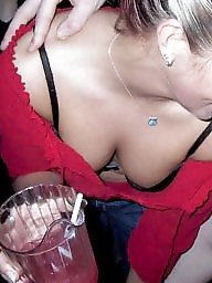 Downblouse, Public tits
