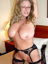 Mature moms, Mom amateur, Amateur mom, Glasses, Moms, Mature glasses