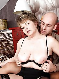 Mom, Moms, Young amateur, Mature mom