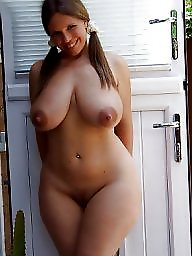 Mature brunette, Hourglass