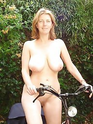 Public nudity, Riding, Public