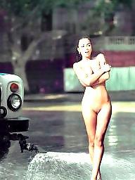 Public nudity, Nude, Public