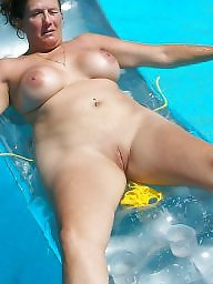 Pool, Housewife