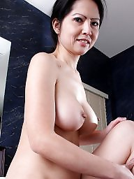 Mature asian, Spreading