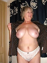 Saggy mature, Mature tits, Mature amateur, Mature flashing, Saggy, Mature saggy tits