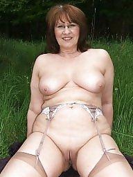 Mom boobs, Mature mom, Moms, Mature big, Big mom, Mom