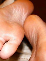 Latin, Feet