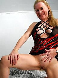 Amateur mature, Mature mom, Moms, Young, Young amateur, Young mom