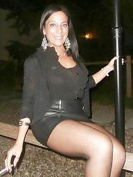 Miniskirt, Posing, Milf flashing