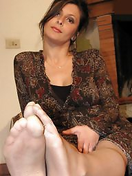 Amateur feet, Pose, Nylon feet, Posing, Nylons, Amateur posing