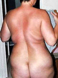 Mature ass, Kissing