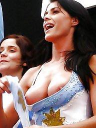 Voyeur oops, Voyeur out, Tits out, Tits oops, Tit public, Public tits