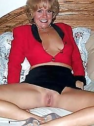 Salope mature, Milfs flashing, Milf flashing tits, Milf flashing, Milf flash tits, Milf belle p