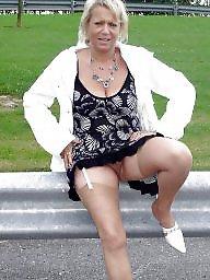 Up skirt, Skirt, Upskirt, Park, Public, Public nudity