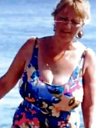 Sandy, Mature boobs