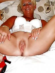 Salope mature, Milf flashing tits, Milf flash tits, Milf belle p, Milf tits flashing, Milf tit flash