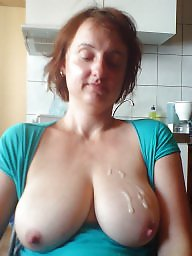 cleavage amateur mature Saggy
