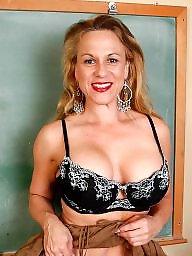 Milf bra, Big bra, Big boobs amateur, Amateur bra, Big tits milf, Old