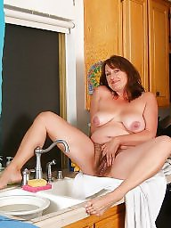 Mature kitchen, Mature in kitchen, Mature housewifes, Mature housewife, In kitchen, Housewifes matures