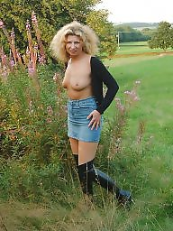 Flashing milf, Flashing, Amateur outdoor, Outdoor, Milf flashing, Milf