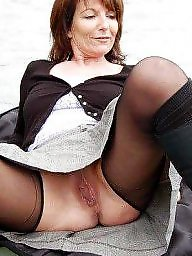 Amateurs mature pantyhose