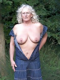 Granny, Grannies, Grannys, Old granny, Old grannies, Mature flashing