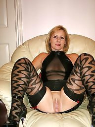 Spreading, Amateur mature, Spread, Mom, Moms, Legs