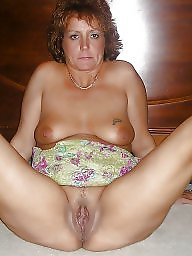 Mature spreading, Amateur spreading, Spread, Leg, Mature slut, Mature spread