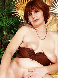 Mature posing, Saggy mature, Posing, Saggy tits, Pose, Saggy milf